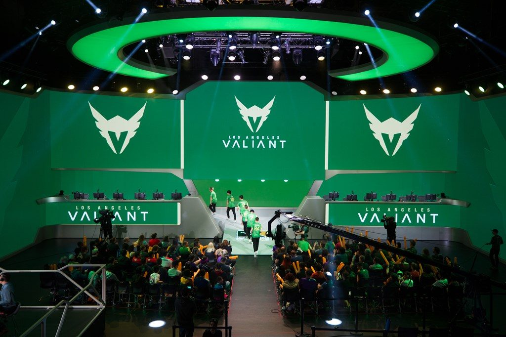 The_Valiant_opened_Blizzard_Arena_s_first_Saturday_OWL_action_-_Dec._9_2017
