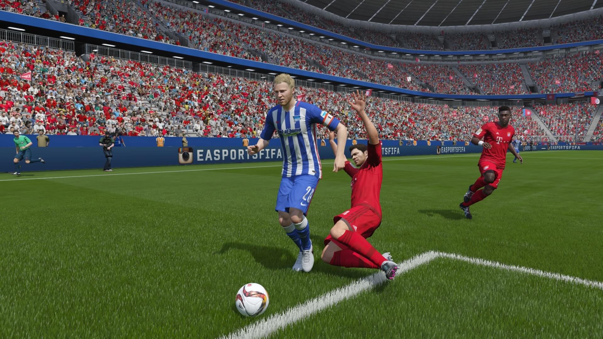 FIFA 16 Alonso Tackling