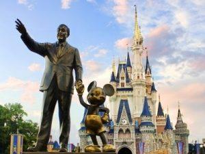 WoW Disney Statue
