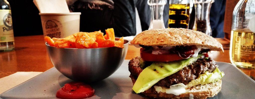 Hearthstone: Profis beschweren sich – Turniere in Fast Food-Restaurants