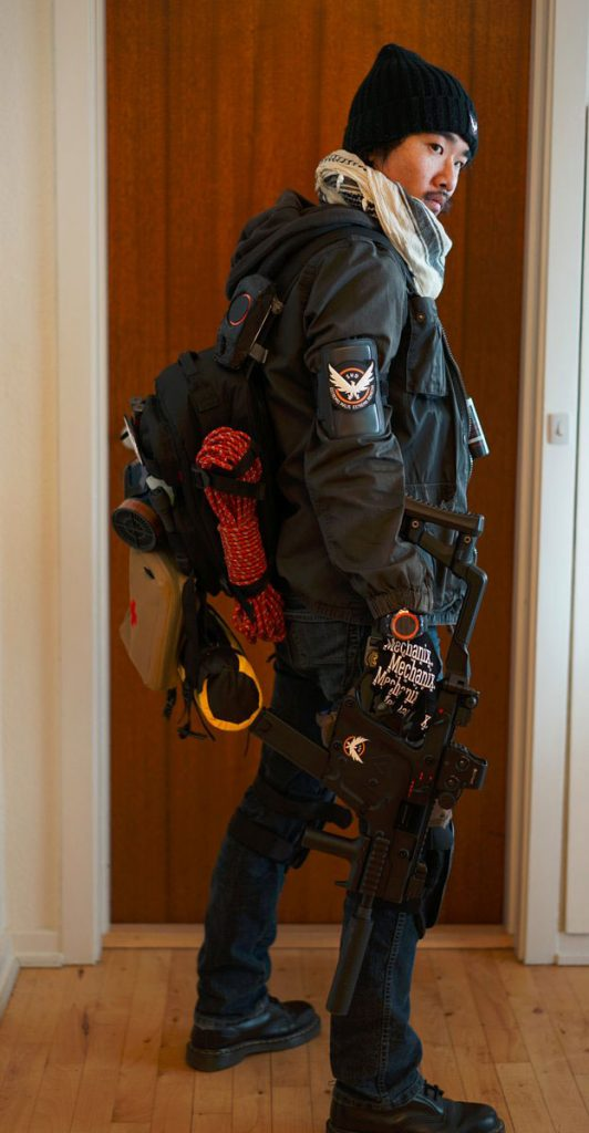 division-cosplay-2