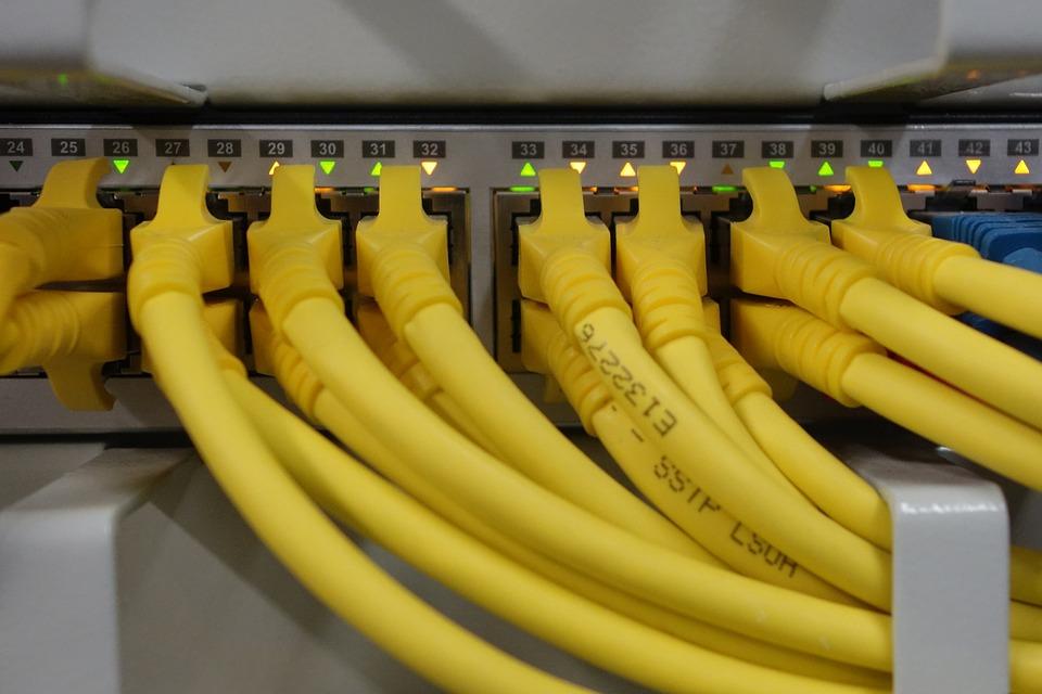 LAN PArty Netzwerkkabel Hub
