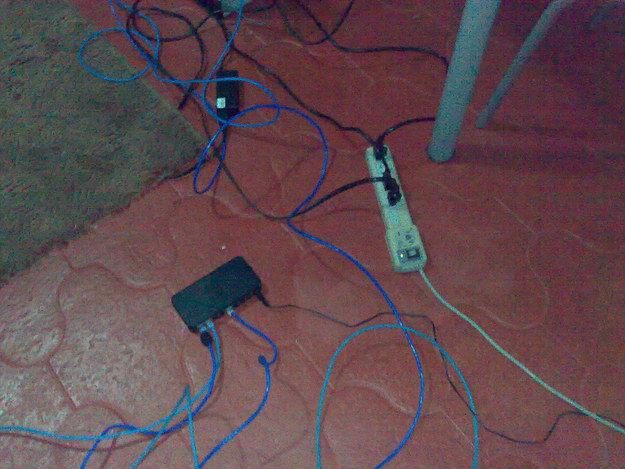 LAN PArty Verkabelungen Hub Steckerleiste