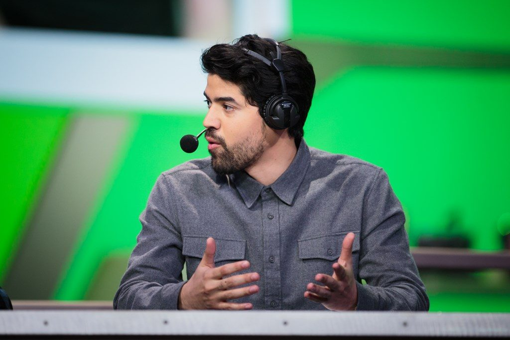 Overwatch LEague Analyst Alberto Crumbz Rengifo