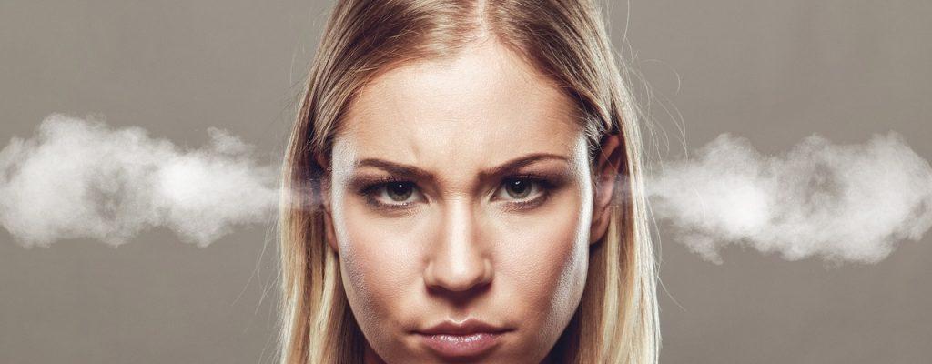 Vernachlässigte Frau will Fortnite verbieten, verfällt selbst dem Spiel