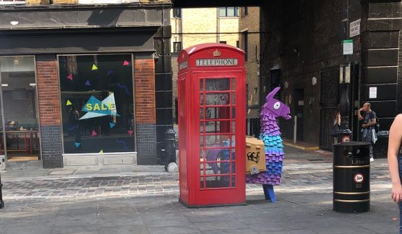 Fortnite-London-Lama