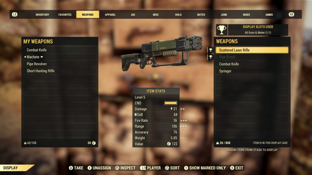 Waffe in Schaukasten