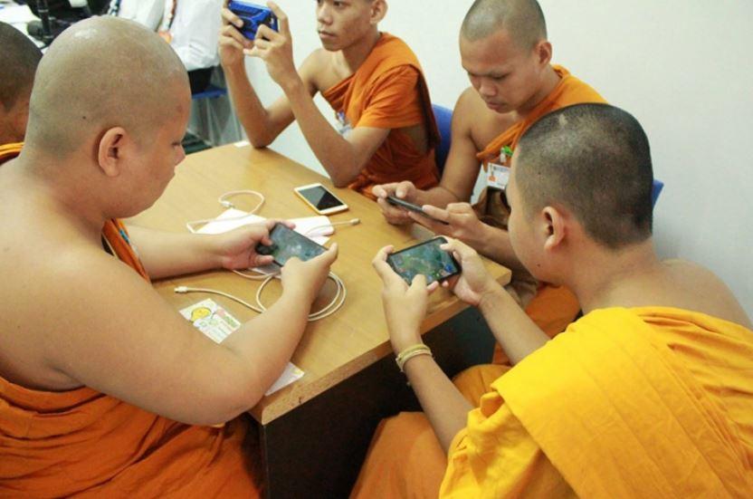 eSports buddhistische Mönche Handy