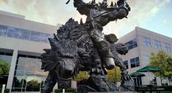 blizzard-orc-statue-1140x445