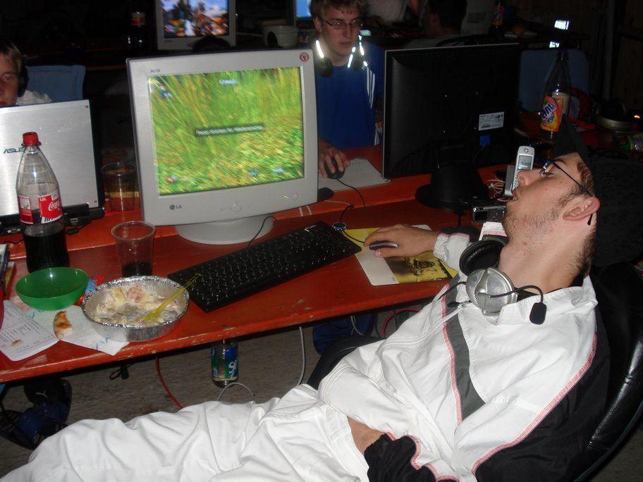 5 unvergessliche Dinge, die jeder Gamer von LAN-Partys kennt