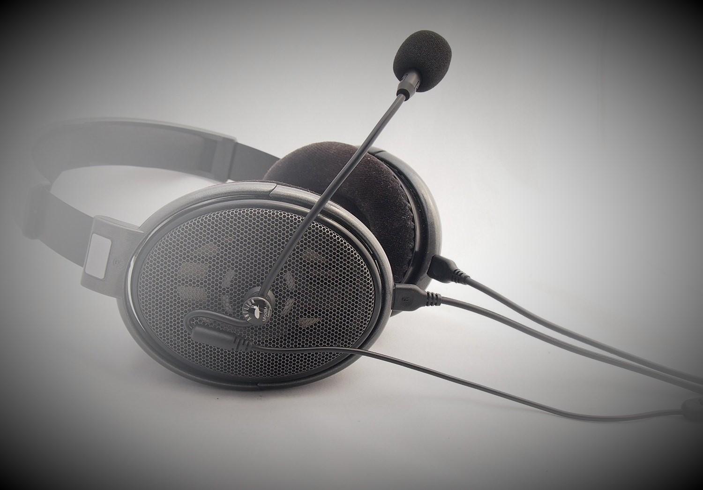 Kopfhörer und Mikrofon: Die bessere Alternative zum Headset?
