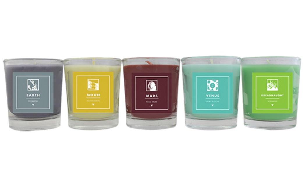 Destiny-Merchandise für romantische Stunden – Kerzen und Bademäntel