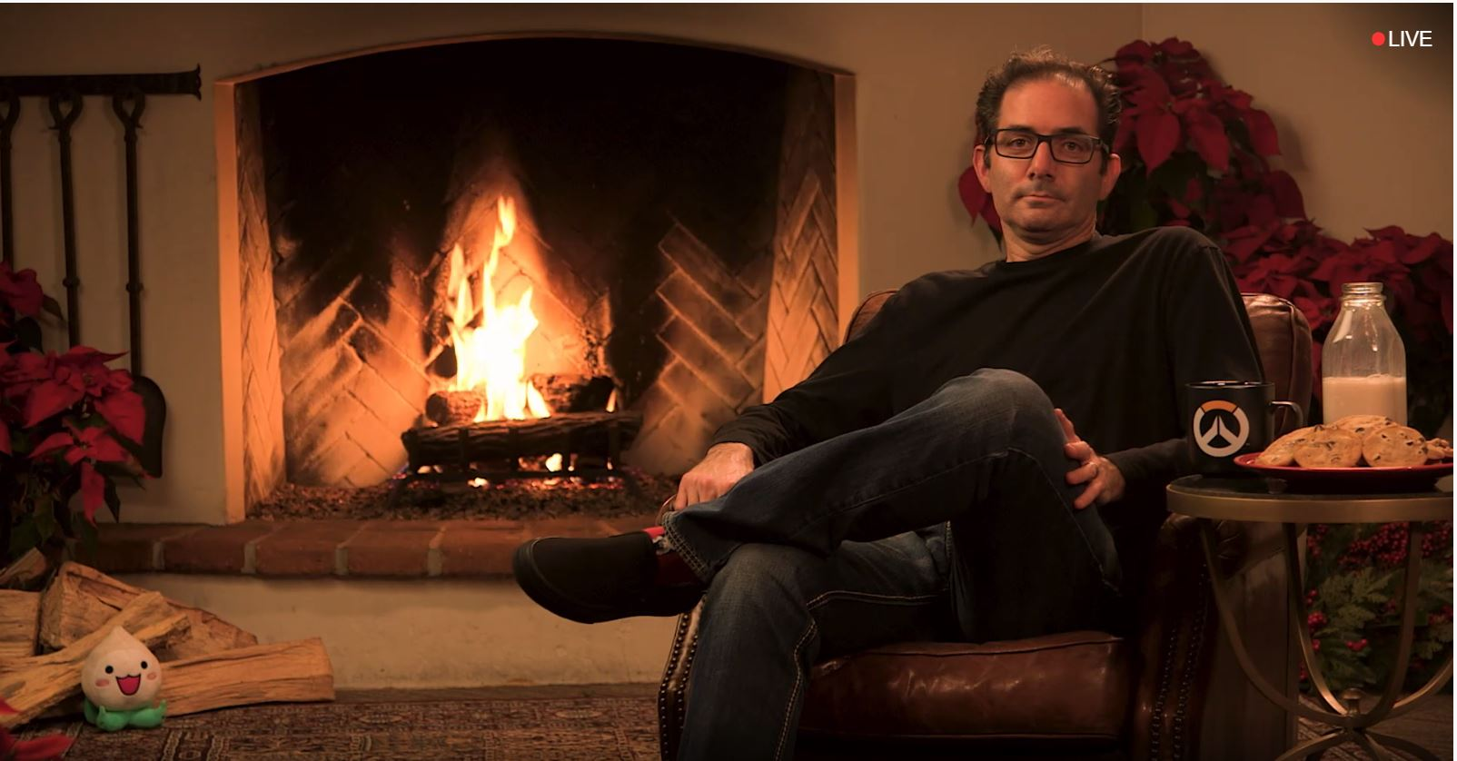 Overwatch-Chef sitzt vor Kaminfeuer, fast 40.000 schauen auf Twitch zu