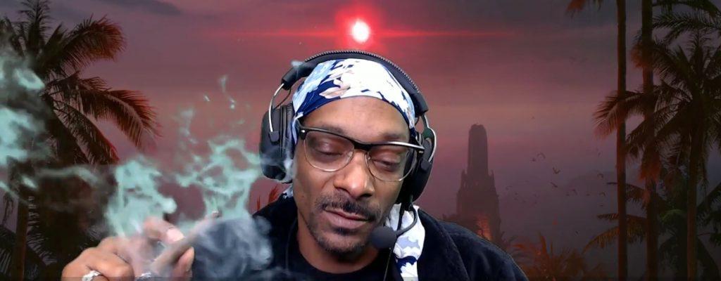 """Snoop Dogg """"spielt"""" SOS, raucht Gras dabei und Twitch findet's okay"""