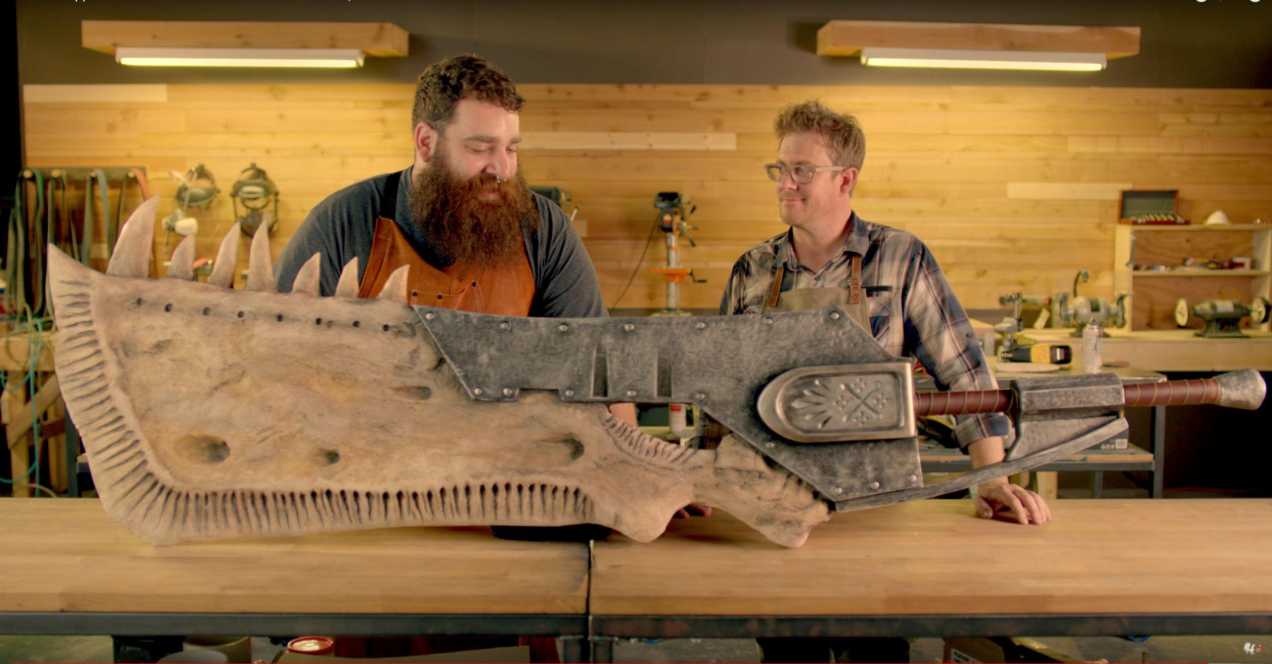 Bastler bauen das 2-Meter-Schwert aus Monster Hunter World