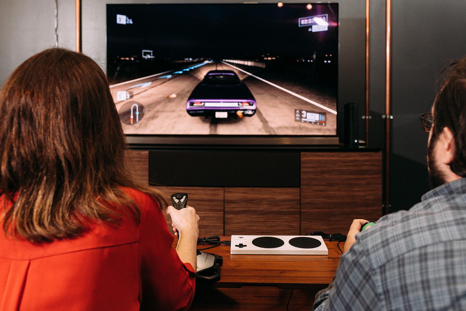 Ein neuer Xbox-Controller für Menschen mit Behinderung kommt gut an