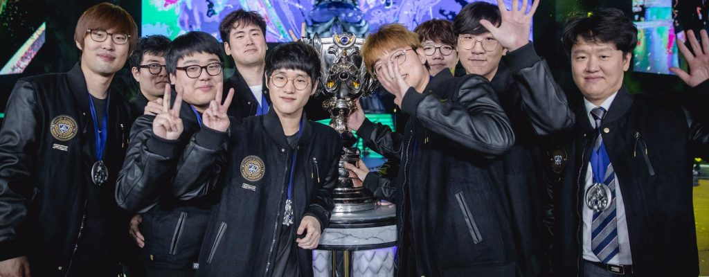 League of Legends: Die nerdigsten Weltmeister stellen ihre LoL-Skins vor