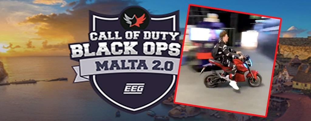 Spieler crasht Motorroller während Call-of-Duty-Turnier – Alle schütteln den Kopf