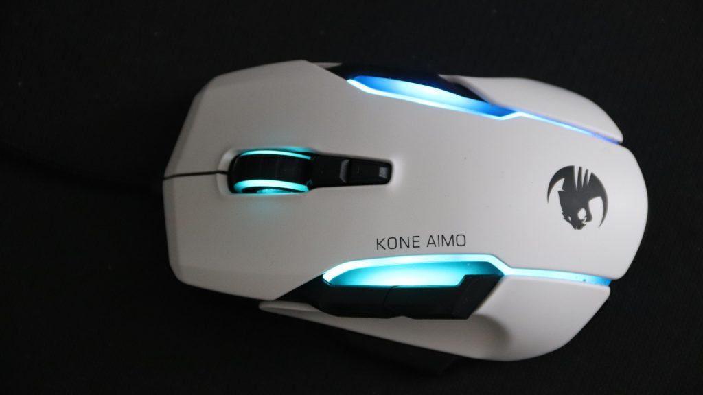 Roccat Kone Aimo Remastered blaues leuchten