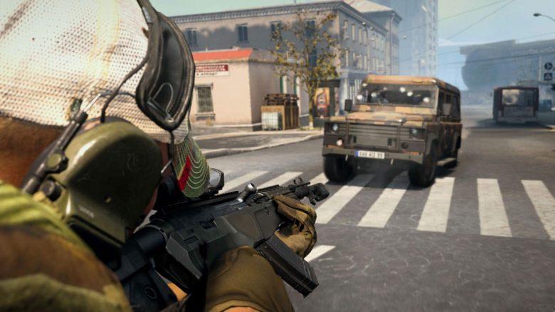 Genialer Messerwurf rettet verzweifelten Spieler in CoD Warzone vor Fahrzeug