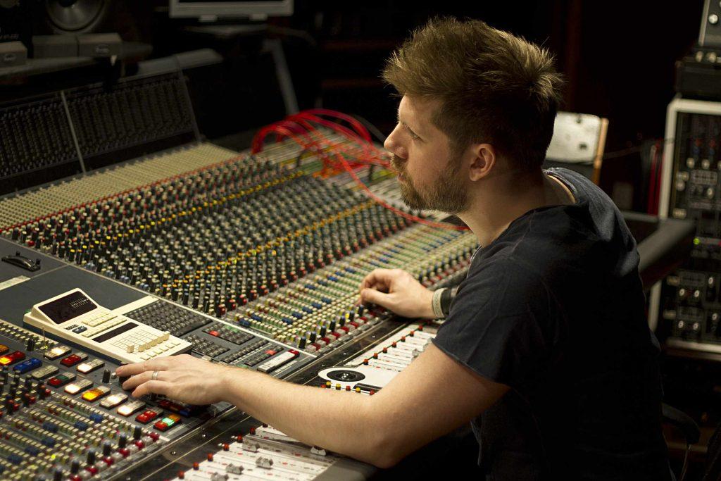 GTFO Simon Viklund bei der Arbeit 2