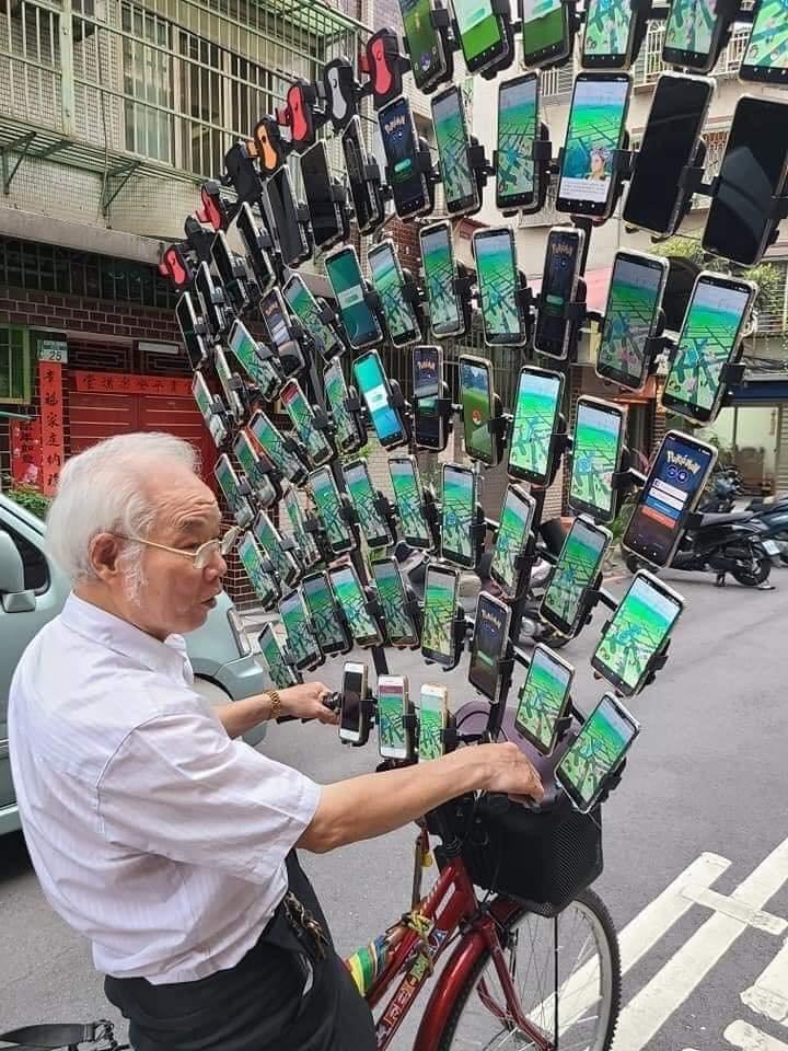 PoGO Opa 64 Handys