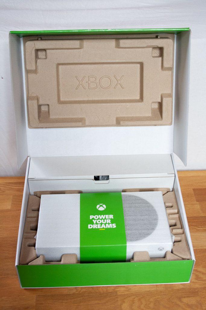 Xbox-Series-S-Karton-Inhalt