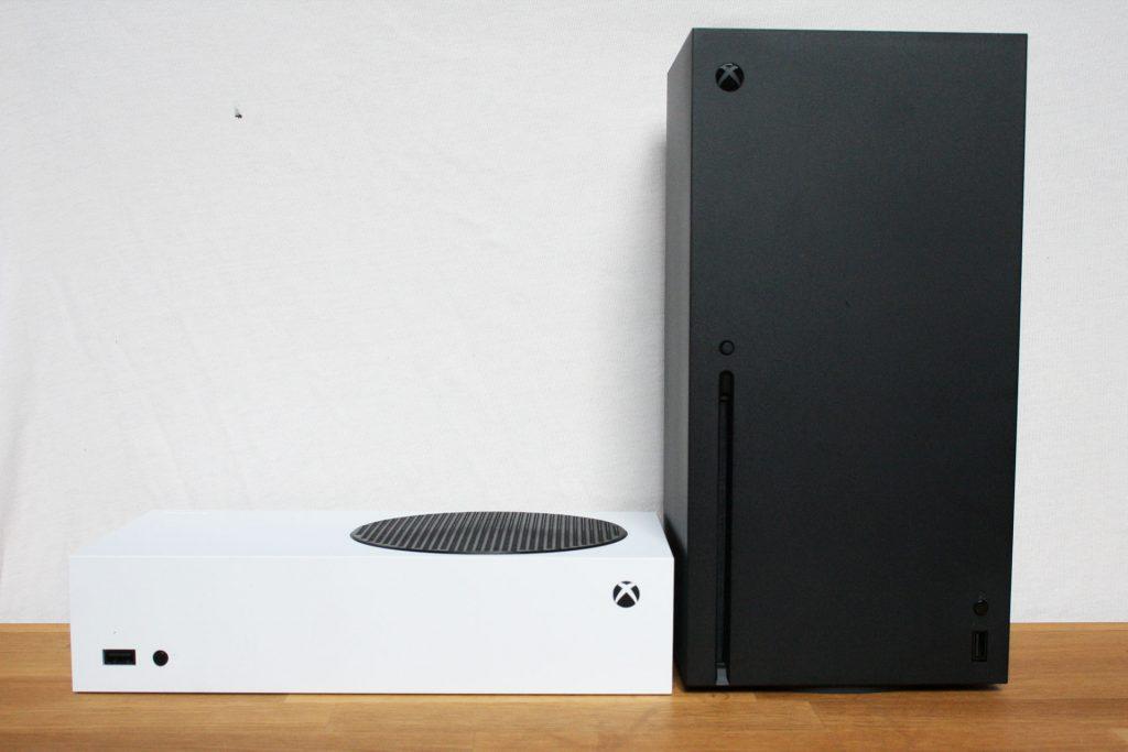 Xbox-Series-X-und-Series-S-nebeneinander