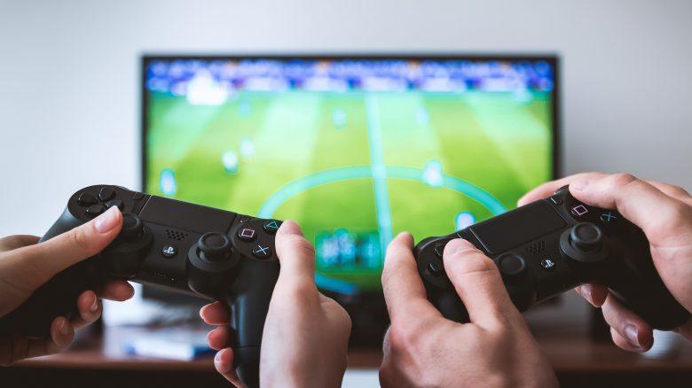 6 Sachen, die du Gamern schenken kannst, damit sie dich lieb haben