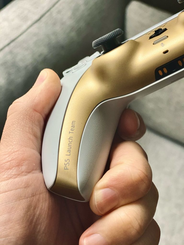 PS5 gold weiß controller ps5 launch team