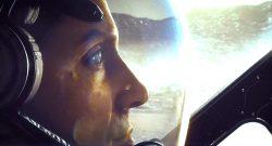 Starfield Gesicht Titel hell