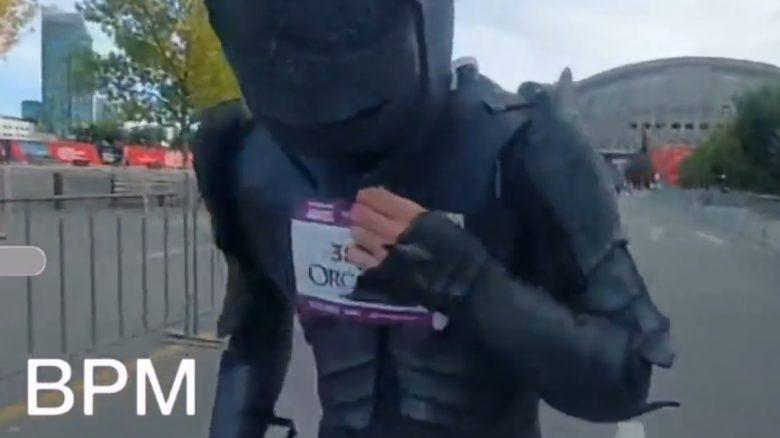 """Twitch-Streamer rennt 10 KM in Ork-Rüstung: """"Konnte am Ende nicht mehr atmen"""""""